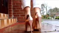 时尚: 提升魅力, 美女穿高跟鞋展现高挑身材