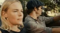 四分鐘帶你看完2011年的驚悚片《稻草狗》一個不戴胸罩的女人引發的慘案