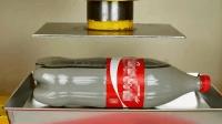 当超强液压机遇到非牛顿液体时, 你会看到别开生面的一幕