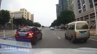 轿车强行超车还别车, 接下来的一幕被行车记录仪愤怒拍下!