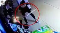 广西幼师持棍殴打孩子