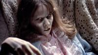 老烟斗看电影: 女主恶灵附身, 差点杀死亲生女儿! 几分钟看完经典恐怖片《招魂》!