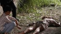 """初中女生的""""杀人回忆"""", 小镇三起杀害少女案件, 三分钟看《黑处有什么》"""