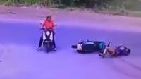 女子横穿马路致小哥摔出数米 淡定离开