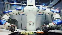 中国造出一未来科技 会烧300种菜, 外国厨师: 让我们怎么活?