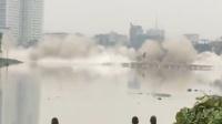 四川工农大桥4秒爆破 毁灭是为了新生