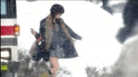 为啥满街的日韩姑娘大冬天穿短裙?