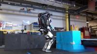 最新谷歌机器人360度后空翻帅炸了