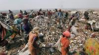 印度人的心思你别猜, 他们奇葩到连塑料袋都敢吃