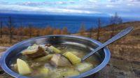 贝加尔湖荒野美食-俄罗斯大叔现场烹调美味鱼汤