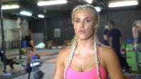 WWE超级巨星Lana Perry拍摄肌肉与健康杂志幕后