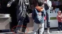谢贤节目怒踹小孩, 脾气火爆为何还会被网友称赞?