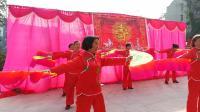 武胜县真静乡中老年舞蹈队演出的扇子舞