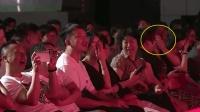 岳云鹏一上台引全场尖叫, 一句话调侃台下女教师, 观众笑得直捂嘴