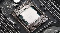 被吓到!史上最贵18核新核弹 Intel Core i9-7980XE