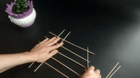 不用系也不用绑, 10根竹签子就能编出来, 放在厨房实用还美观