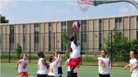 第2期  1.35米篮球运动员称霸街球场