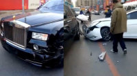 千万劳斯莱斯街头被撞 车主: 卖房吧