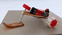 小伙自制一个雪地摩托, 放在雪地上启动后, 才知道这么好玩