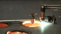 2000W的碳钢光纤激光切割机! 切割金属易如反掌