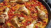 西班牙烩饭海鲜味的处理起来太麻烦? 快跟我来吃鸡!