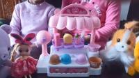 幼儿早教亲子游戏: 琪琪小朋友帮妈妈卖冰淇淋, 森林里的小动物们都出来买冰淇淋吃