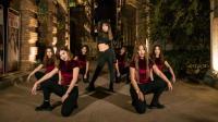 美女武汉街头舞蹈快闪, 性感小野猫热舞《Superlove》#savage#