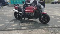8升排量, V10发动机的摩托车, 据说售价是15万美金, 你买吗?