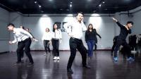 公司年会现代舞视频 简单搞笑的年会舞蹈有哪些 小年轻舞动人心