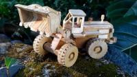 小伙用木头纯手工制作玩具车, 你会了吗?