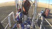 油井受伤最多的工种, 要求操作精度最高, 否则手臂就会断两截!