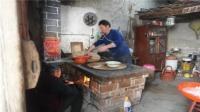 农村奶奶用70年柴火灶, 煮出来的水饺, 所有人都赞不绝口