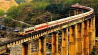中国这条铁路是世界三大奇迹之一 当时的铁道工用生命建成了这条路