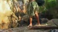 德爷这捡来的装水工具也太雷人了 这才是真正的荒野求生
