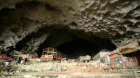 贵州深山发现一山洞, 竟住有70多个苗族人, 当代世外桃源
