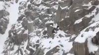 3D: 情侣违规登山男友独自求生?