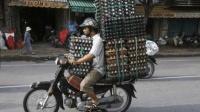 摩托车技术印度我都不服, 我只服这国, 竟拿摩托车当卡车用