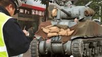 坦克都出家用版了? 4万一辆开上班太拉风, 被交警拦下就尴尬了!