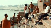 实拍印度人恒河洗漱风俗, 看看印度人的真实生活, 到底怎么样?