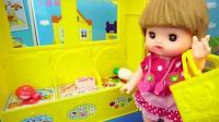 咪露娃娃超市购买了猪肉 鱼 结账回家放进冰箱
