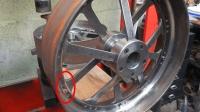 这种钢轮居然是铆接起来的, 谁知道是用在哪里的