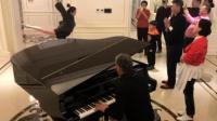 冯小刚家中聚会, 苗苗在客厅舞蹈《芳华》, 陈道明钢琴伴奏!