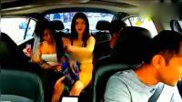 的哥拉了几名女乘客, 谁知被拍下疯狂一幕