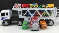卡通小卡车竞速 赛车总动员 挖掘机 推土机 吊车 大卡车 汽车总动员动画片中文版