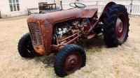 20多年没启动的拖拉机, 一点就着, 国产车也曾牛过!