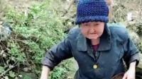 厉害了奶奶, 80岁了还自己下河沟抓鱼, 看完给跪了!