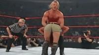 WWE男女混合对打 女选手遭男子花样虐打
