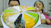 """试吃""""12色提拉米苏蛋糕"""", 就像一个旋转的摩天轮, 宝贝超喜欢吃"""