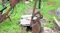 小伙自己焊接出一台挖掘机, 结果让人有点惊讶啊!