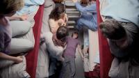 封闭车厢中发生了离奇的命案, 杀手就在这6个人之中! 你能猜出吗?